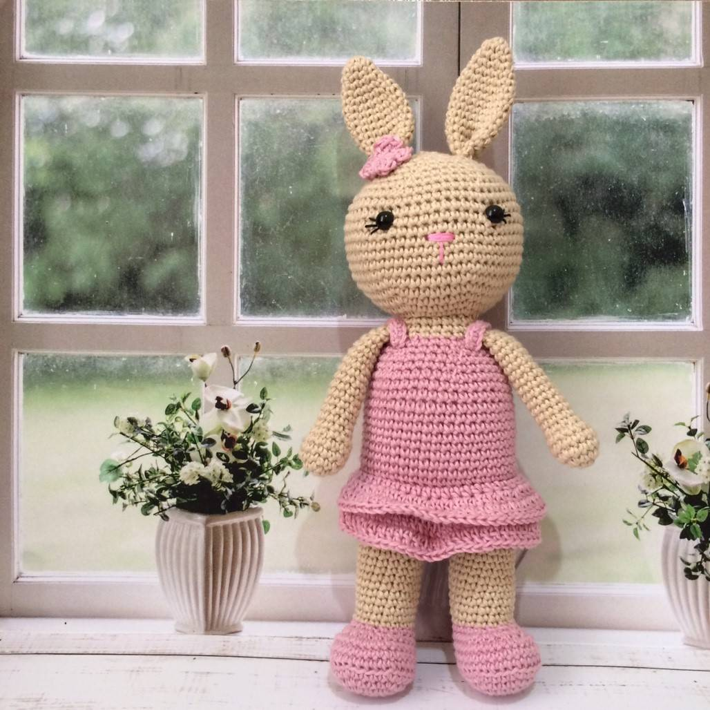 Boneka Rajut Rabbit Pink