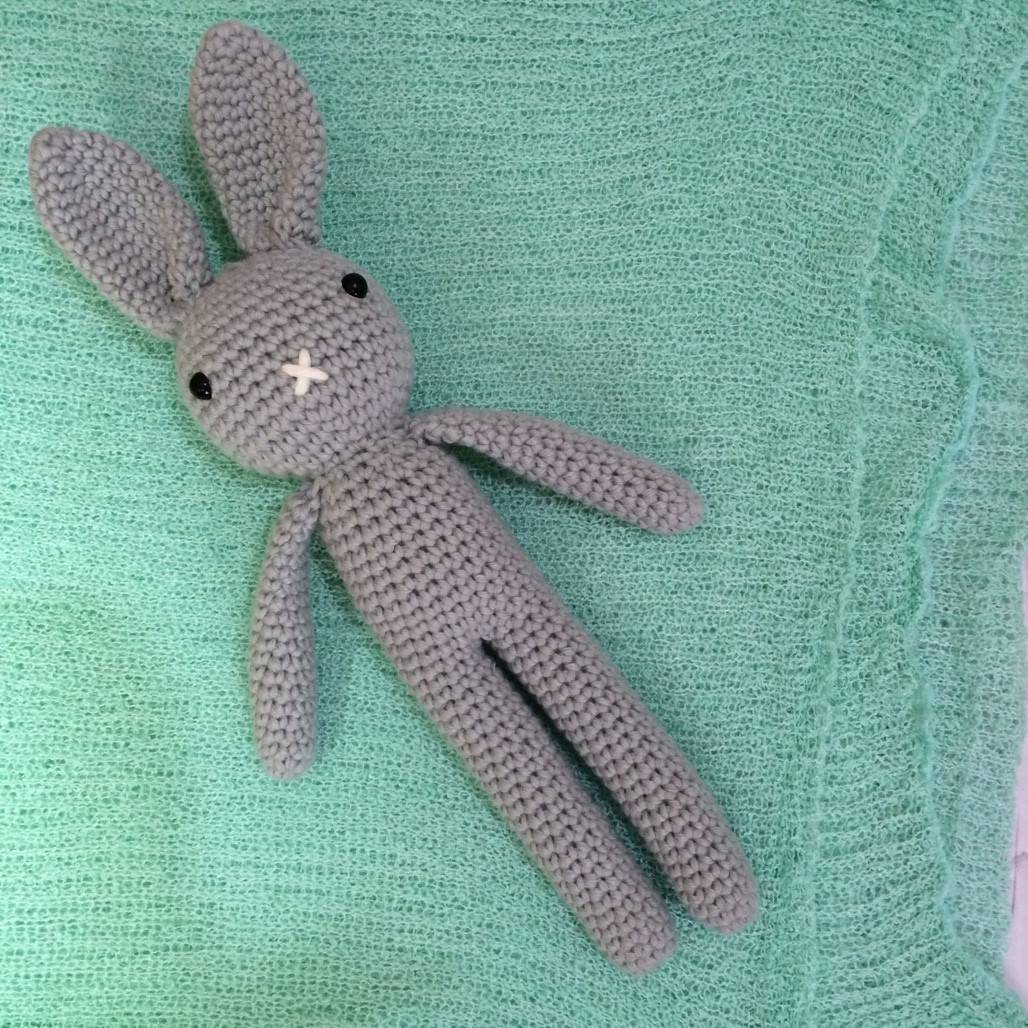 Boneka Rajut Bunny Grey