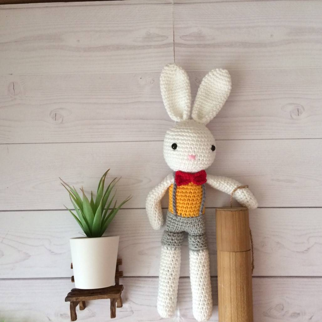 Boneka Rajut Rabbit Boy