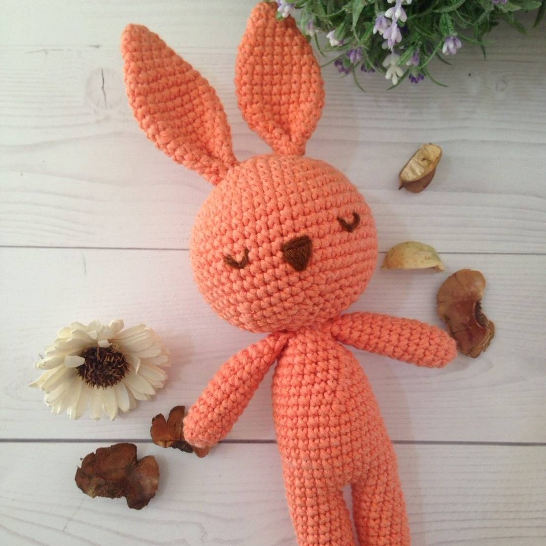 Boneka Rajut Bunny Orange