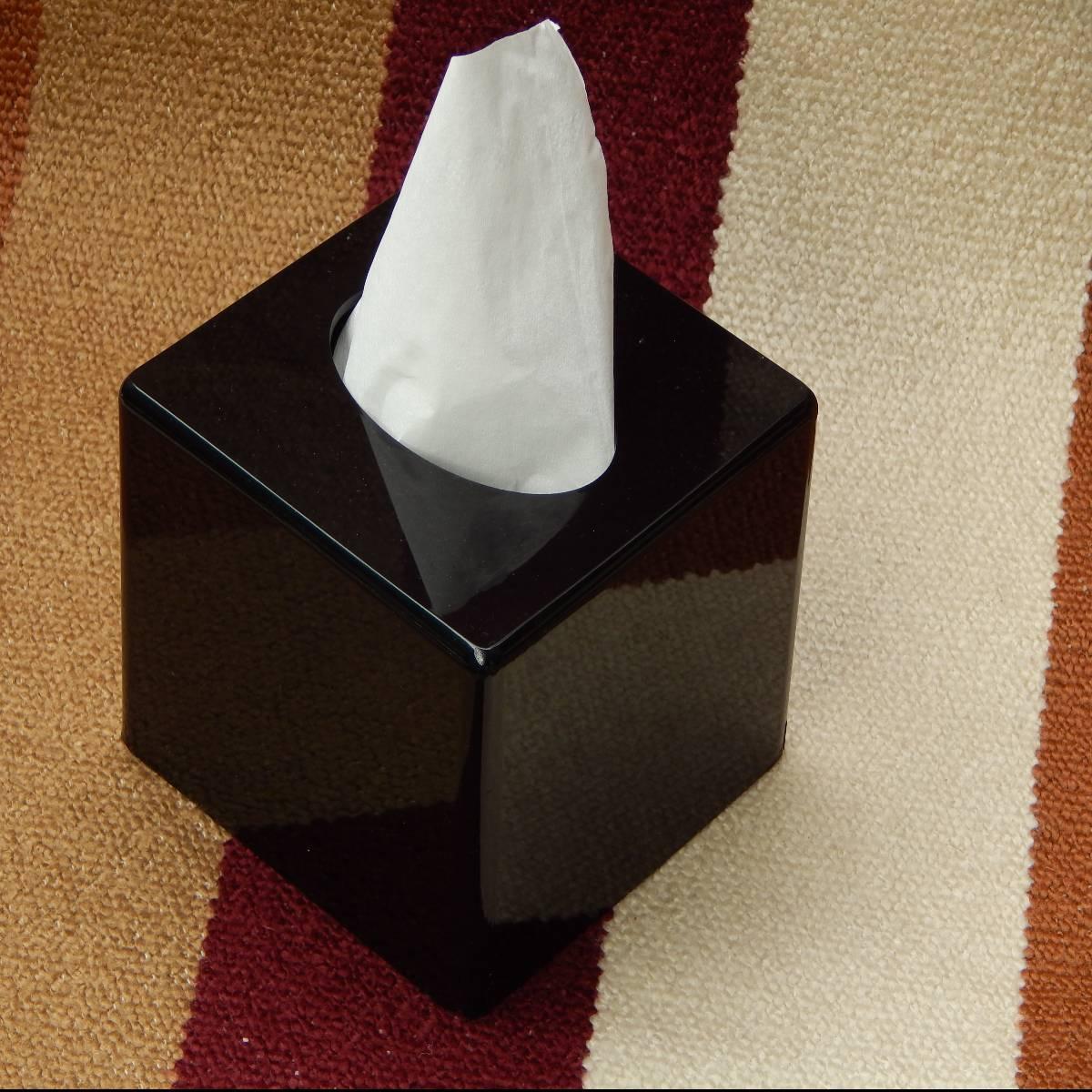 Box Tissue Acrylic Hitam Glossy1
