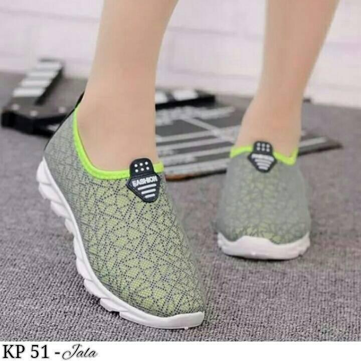 Sepatu Kets Olahraga Wanita1