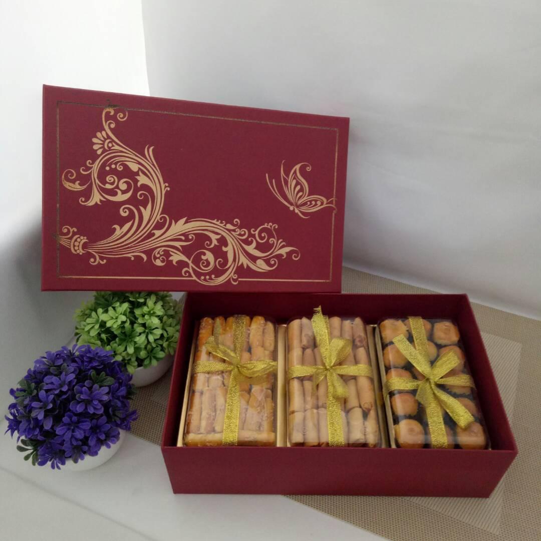Kue Kering Istimewa Dus Merah - Paket X3