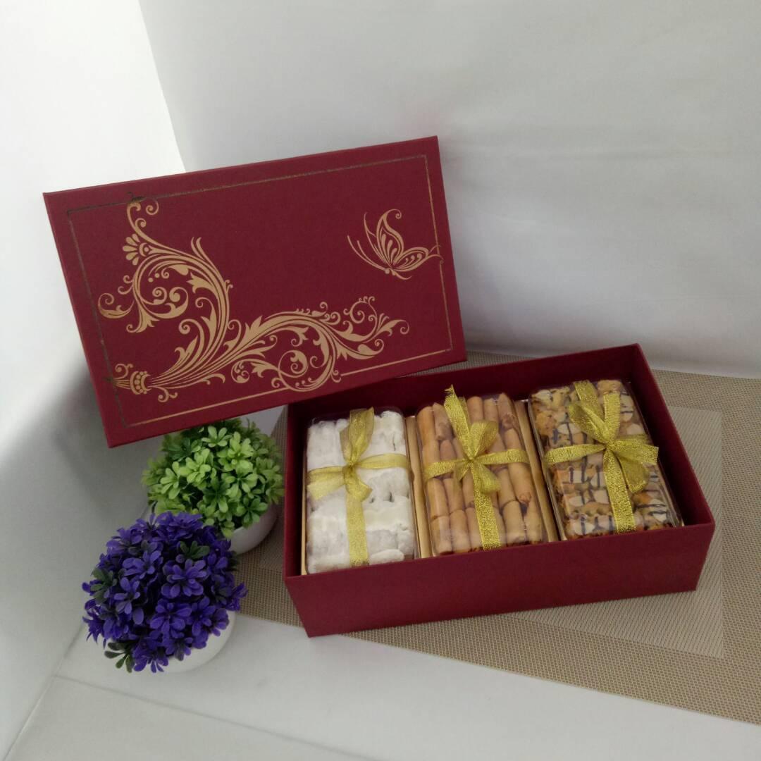 Kue Kering Istimewa Dus Merah - Paket X4