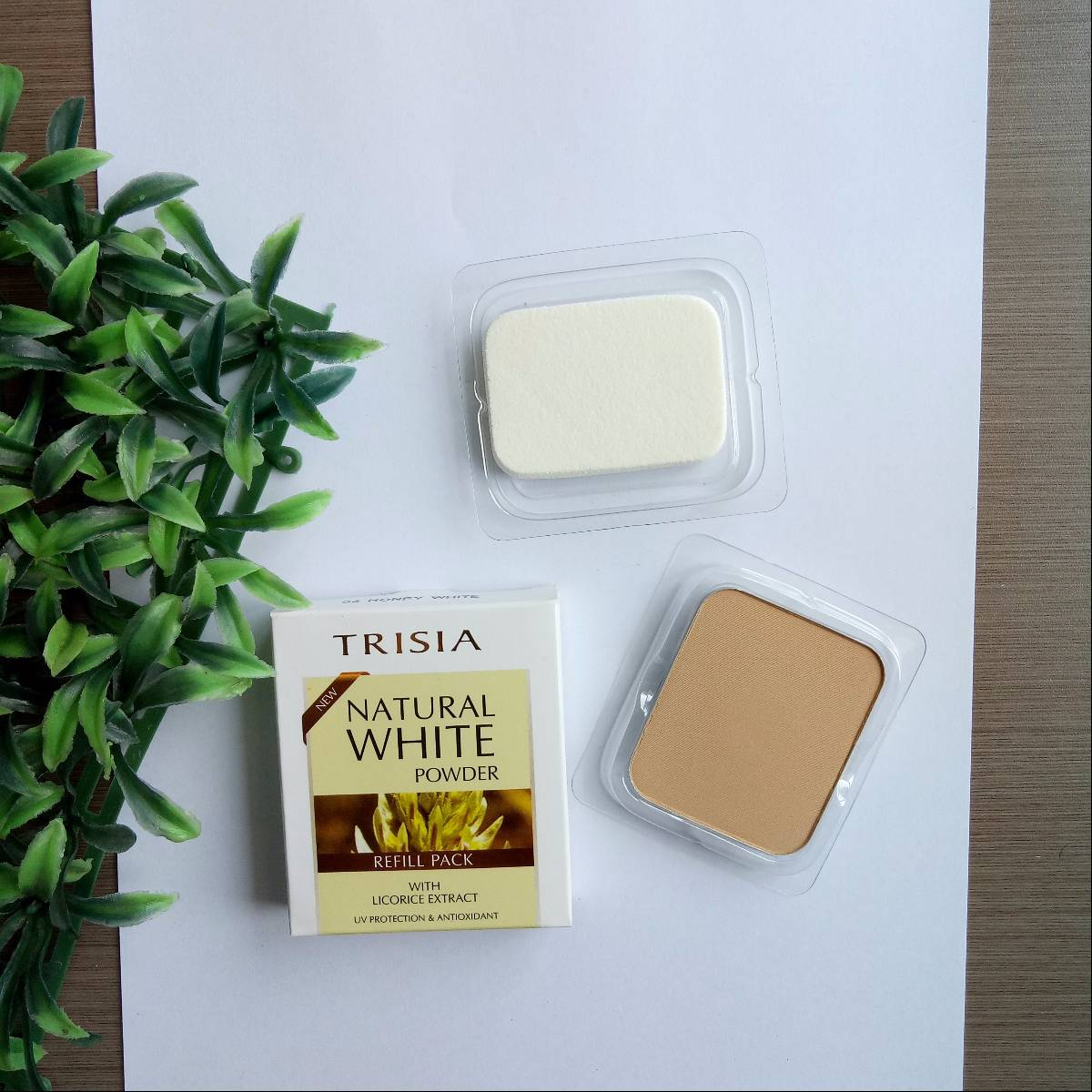 Trisia Two Way Cake Twc Natural White Powder Bedak Wajah Refill