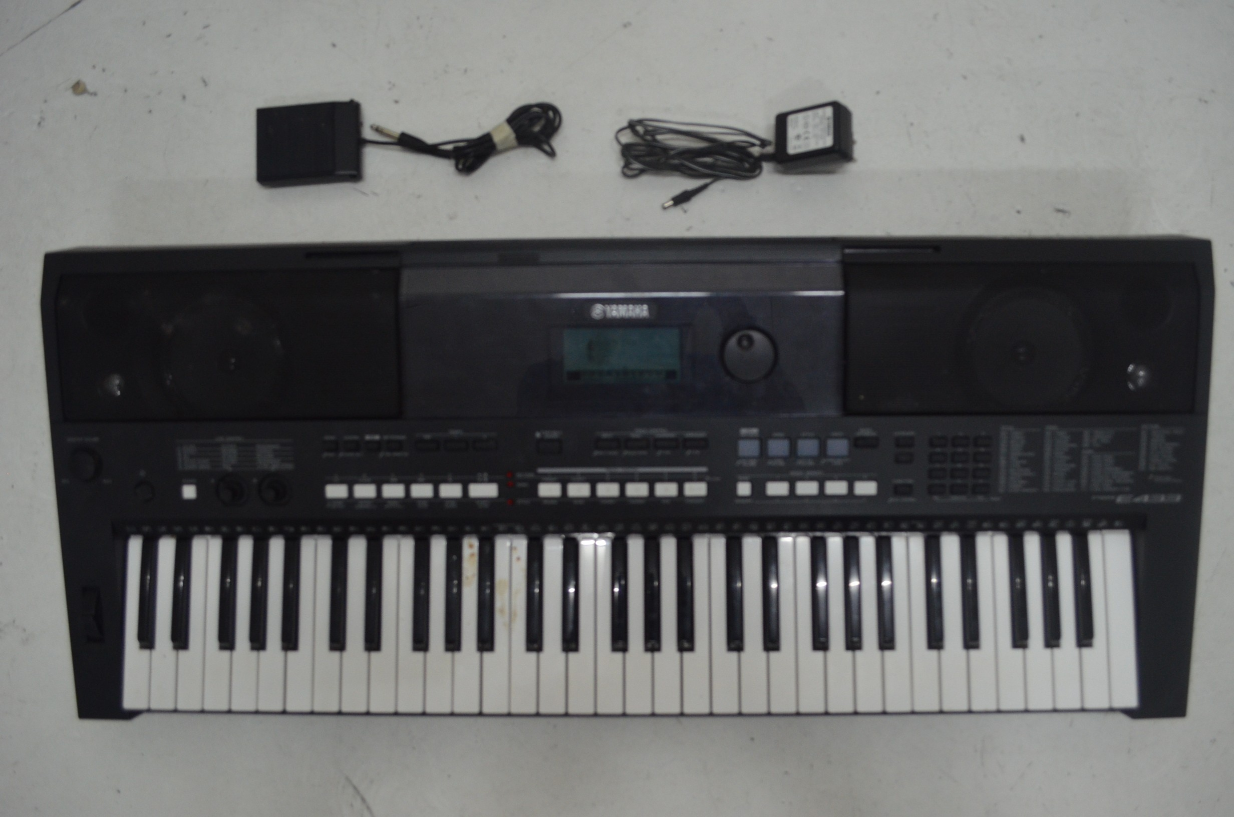 yamaha psr e433 buy online preloved 100 authentic. Black Bedroom Furniture Sets. Home Design Ideas