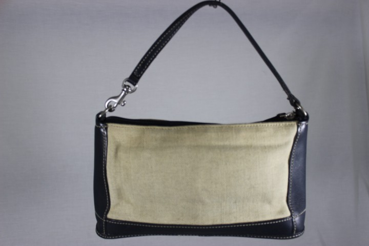 Zoom · COACH Cream   Navy Blue Leather   Canvas Zipper Small Purse Wrislet e8c4b19f22058