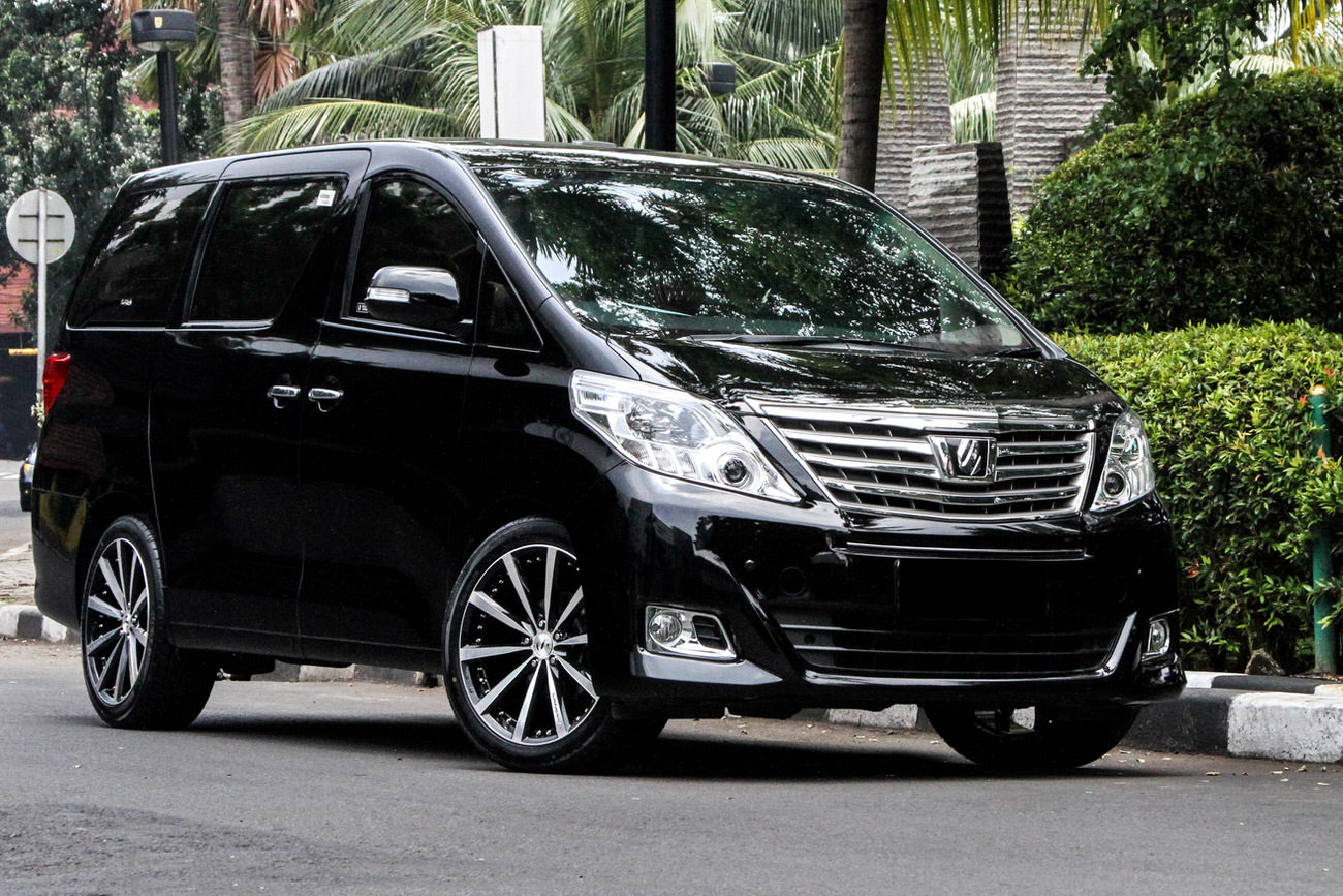 Permaisuri Savatini Vanessa 20 With Alphard