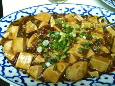เต้าหู้ทรงเครื่อง .. รสชาติเข้มข้น ที่ ร้านอาหาร เกี๊ยวจีน (ภัตตาคารซันมูน)