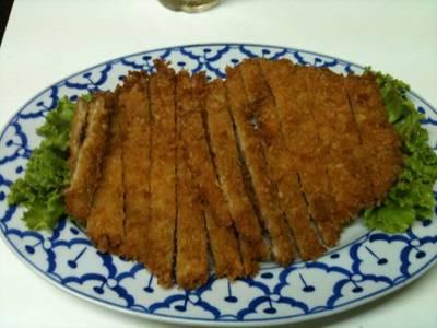หมูสับทอด ที่ ร้านอาหาร เกี๊ยวจีน (ภัตตาคารซันมูน)