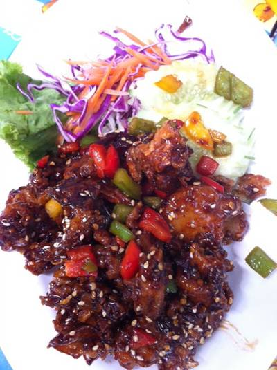 เห็ดผัดพริกไทยดำ ที่ ร้านอาหาร บ้านสวนไผ่สุขภาพ