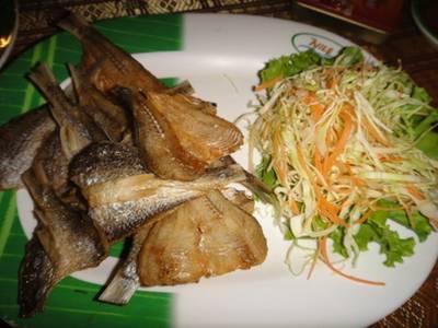 ปลาสร้อยแดดเดียว ที่ ร้านอาหาร The Nile