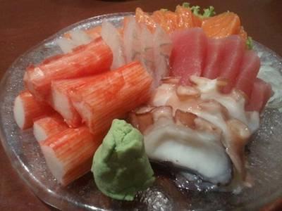 ปลาดิบสด อร่อย ค่ะ ที่ ร้านอาหาร Takumi Restaurant Swissotel Le Concorde