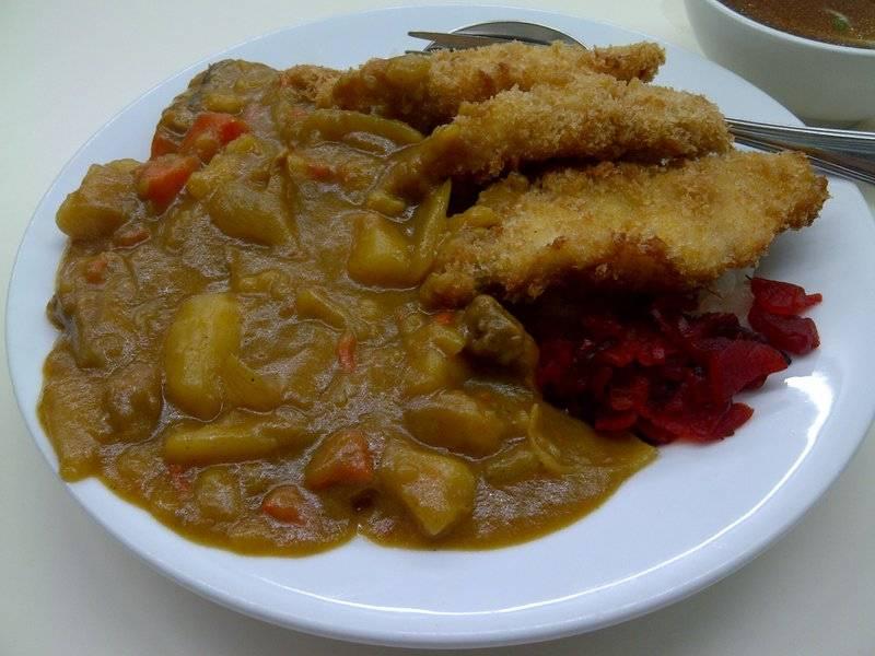แกงกะหรี่ปลาทอด ที่ ร้านอาหาร Grand Ramen
