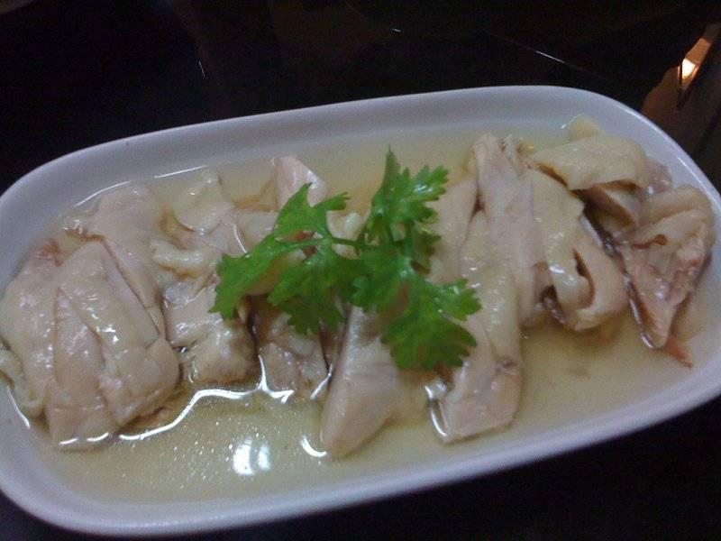 น่องไก่แช่เหล้า ที่ ร้านอาหาร Ting Tai Fu