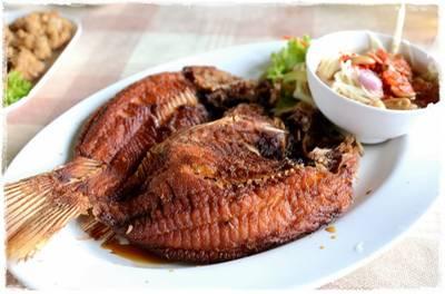 อิ่มปลาเผา สาขาบางมด พุทธบูชา ที่ ร้านอาหาร อิ่มปลาเผา บางมด พุทธบูชา