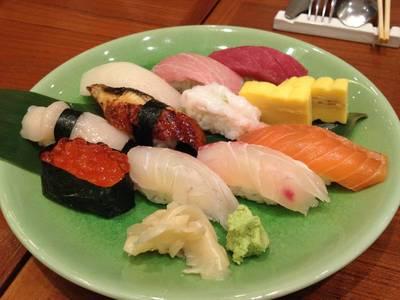 Nigiri Sushi Mori Tokujyo Deluxe ที่ ร้านอาหาร The Grill Tokyo