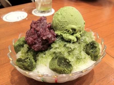 ไอศครีมชาเขียว ใส่ถั่วแดง ที่ ร้านอาหาร The Grill Tokyo