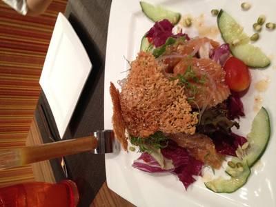 แซลมอน 20 นาที แซ่บดี! ที่ ร้านอาหาร Crave Wine Bar & Restaurant Aloft Bangkok