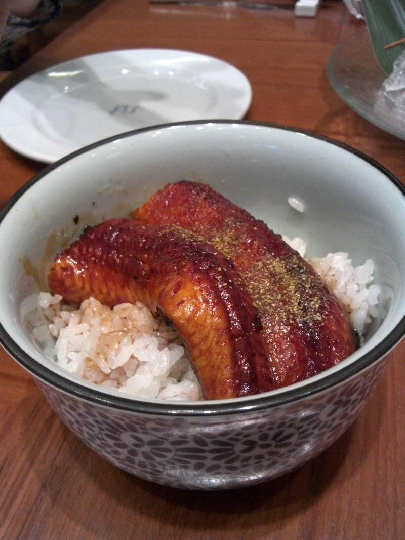 ข้าวหน้าปลาไหล ที่ ร้านอาหาร The Grill Tokyo