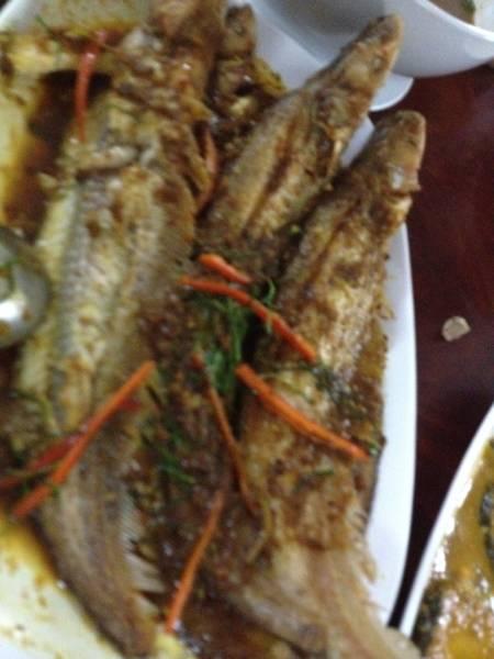 ปลาเนื้ออ่อนสามรส ที่ ร้านอาหาร ครัวม่อนไข่