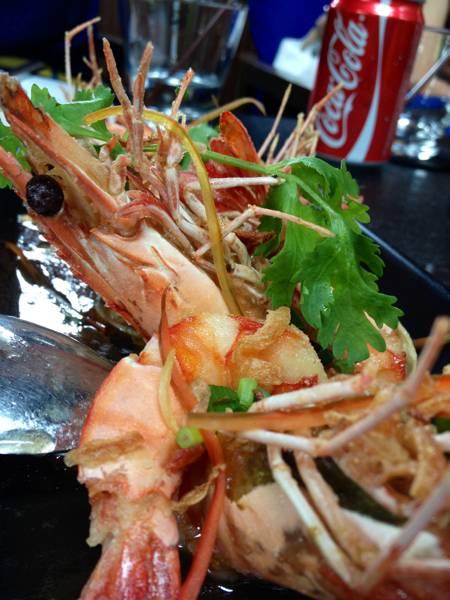 กุ้งซอสมะขาม ที่ ร้านอาหาร 99 Rest Backyard Cafe