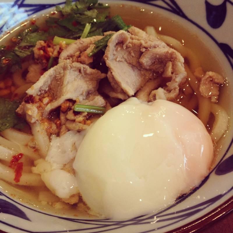 อุด้งหมูรสแซ่บ+ไข่ออนเซน ที่ ร้านอาหาร มารุกาเมะ เซเมง ฟิวเจอร์ พาร์ค รังสิต