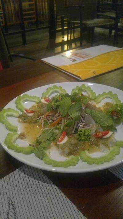 กุ้งวาซาบิ เมนูนี้เพื่อนกิน เหนบอกว่ากุ้งสดมาก แถม เผ็ดถึงใจจริง ๆ ที่ ร้านอาหาร ชนบท