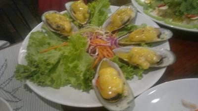 หอยแมงภู่นิวซีแลนด์อบชีส ไม่ต้องเข้าร้านหรูก็ทานของหรูได้ค่ะ หอยตัวใหญ่เต็มคำ ที่ ร้านอาหาร ชนบท