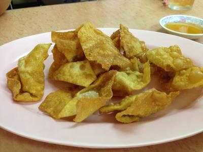 เกี๊ยวทอด อร่อยดี หอมน้ำมันงา ที่ ร้านอาหาร ภัตตาคารจ๊ากกี่