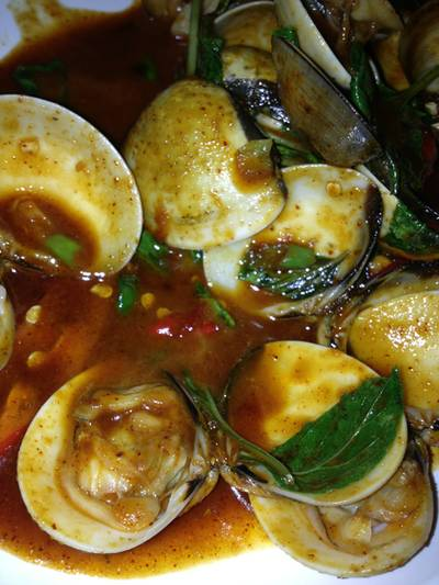 หอยผัดพริกเผา ที่ ร้านอาหาร มหาสมุทร ซีฟู้ด