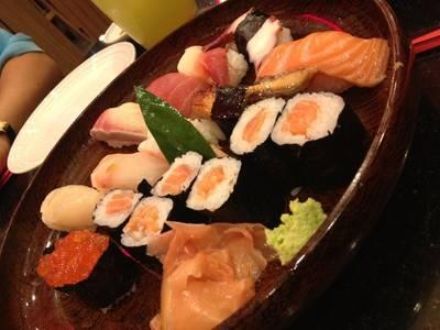 ชุดปลาดิบ ที่ ร้านอาหาร Kasa Japanese Restaurant ซีคอน บางแค