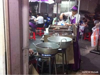 บรรยากาศหน้าร้าน ที่ ร้านอาหาร สเต็กลุงหนวด จุฬาซอย 20