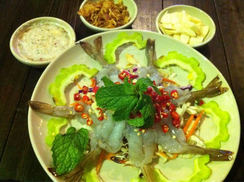 กุ้งแช่น้ำปลาแซ่บเวอร์ ที่ ร้านอาหาร หอมปลาเผา