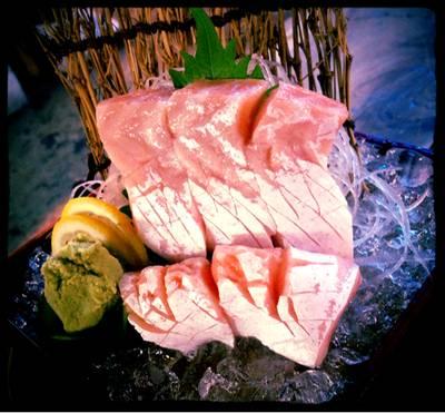 แซวม่อลซาซิมิ ที่ ร้านอาหาร Nihon Sushi