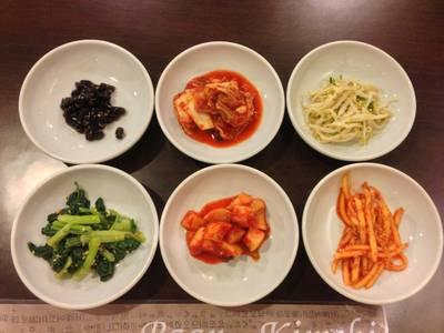 เซ็ตกิมจิ สำหรับทานเล่น ที่ ร้านอาหาร บ้านกิมจิ