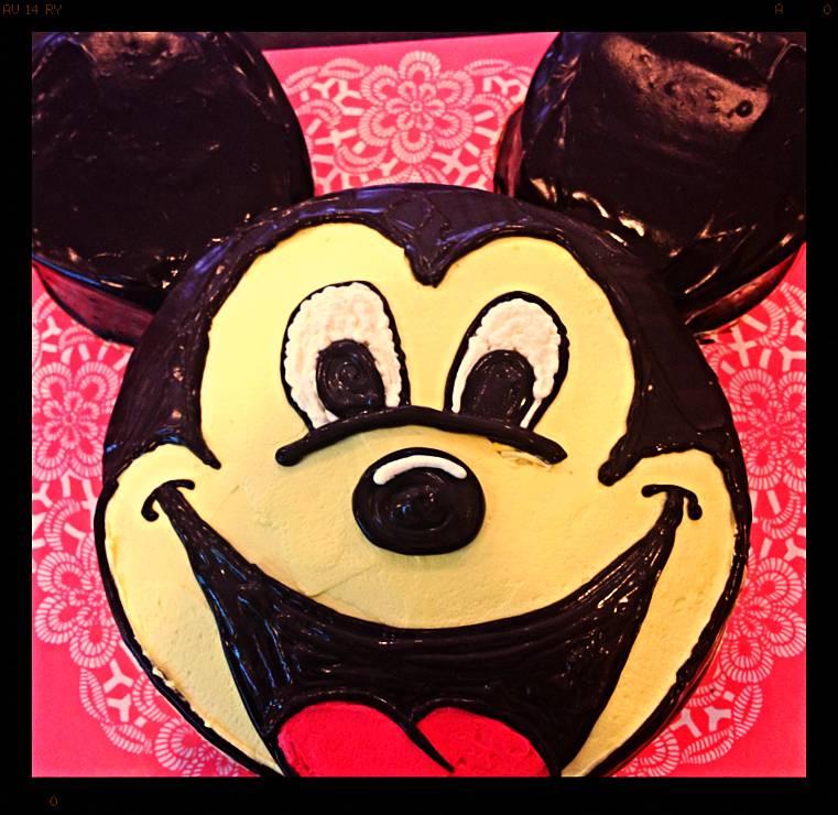 เค้กมิกกี้เมาส์(Mickey Mouse) ที่ ร้านอาหาร Y's House ลาดหญ้า กาญจนบุรี