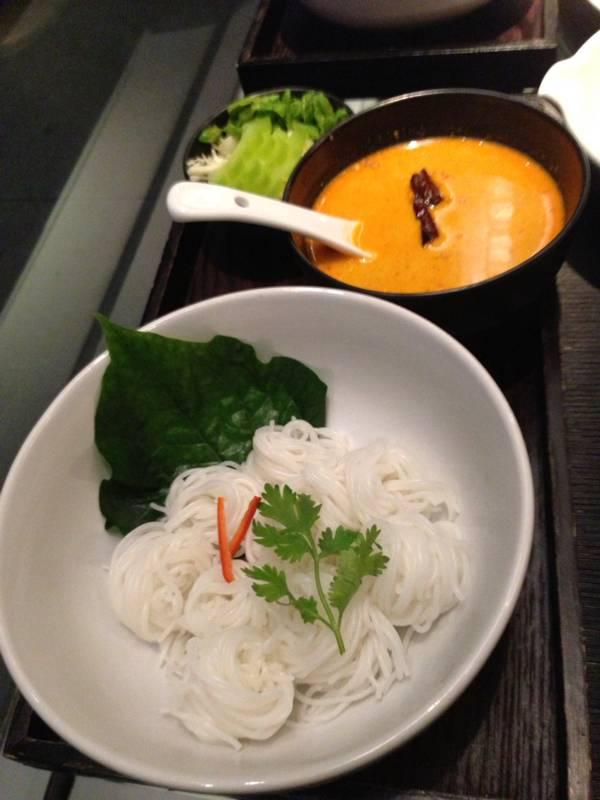 ขนมจีนน้ำยาปู ที่ ร้านอาหาร Ying Yang Dim Sum Bar & Asian Gastro  Zen Department Store
