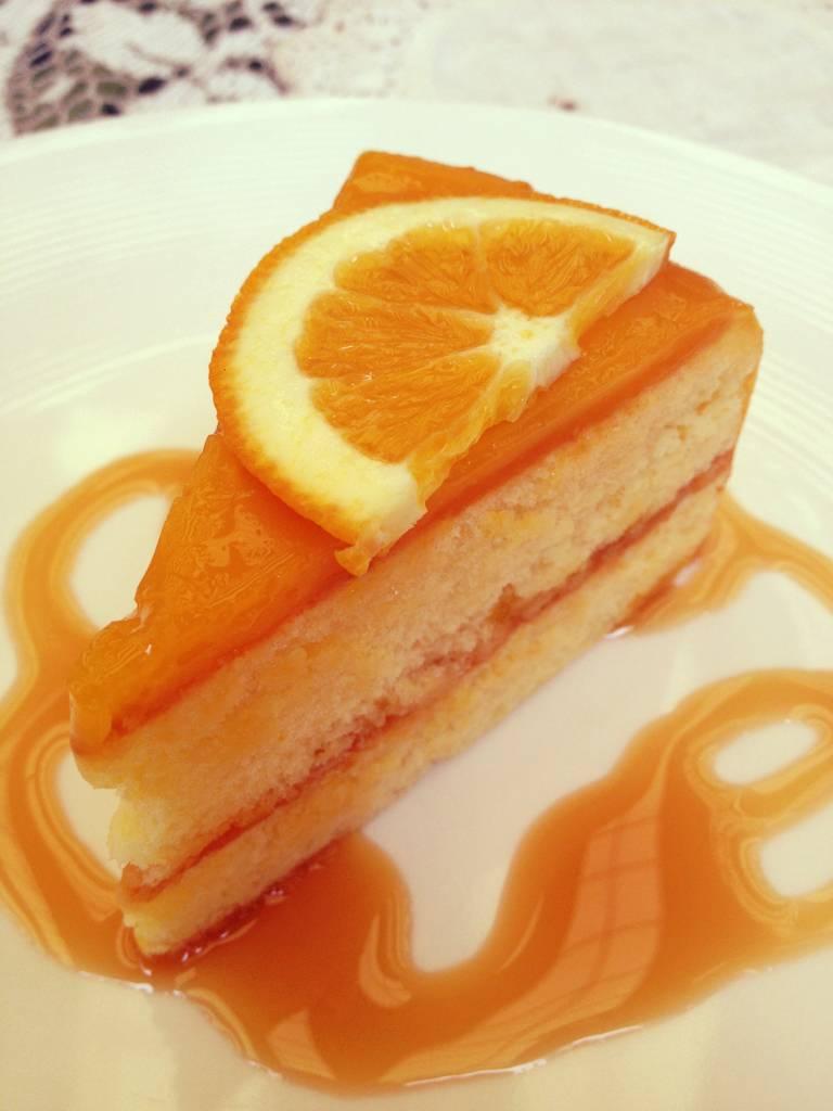 เค็กส้ม ที่ ร้านอาหาร Pony Cafe'