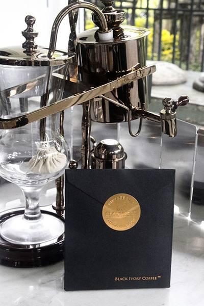 """เครื่องชงกาแฟ กับกาแฟขี้ช้าง """"Black Ivory"""" ที่ ร้านอาหาร Cafe Cha โรงแรม เดอะ สยาม"""