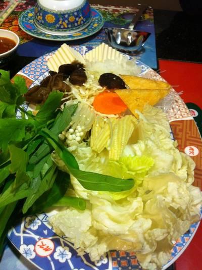 ผักจานเล็ก ที่ ร้านอาหาร MK SUKI โคลิเซียม พัทลุง