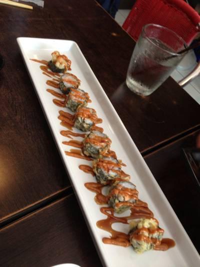 Crispy Salmon ไม่มีพริกขี้หนู 555+ ที่ ร้านอาหาร Sushi House สาขา 1