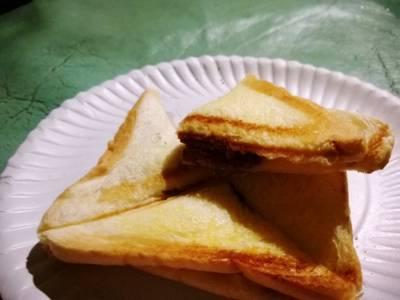 ขนมปังปิ้งนมข้นโอวัลติน ที่ ร้านอาหาร สวนลุงเจิม
