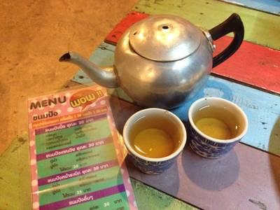 ชาจีนร้อน ที่ ร้านอาหาร ชาชัก wow