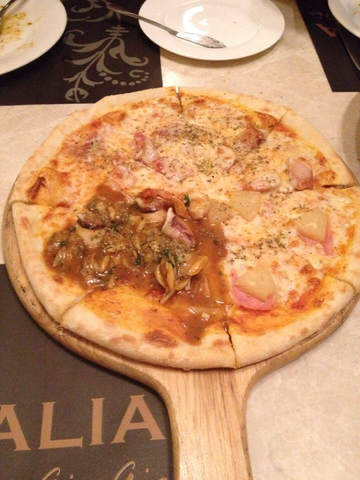Pizza 4 Seasons  ที่ ร้านอาหาร BarItalia by gie gie ซีดีซี
