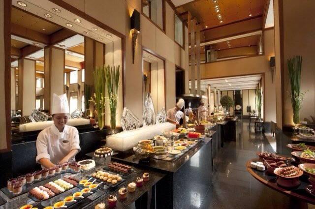 Atmosphere ที่ ร้านอาหาร Colonnade โรงแรมสุโขทัย