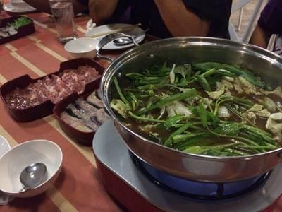 ร้านอาหาร แจ่วฮ้อน (ท่าขอนยาง)