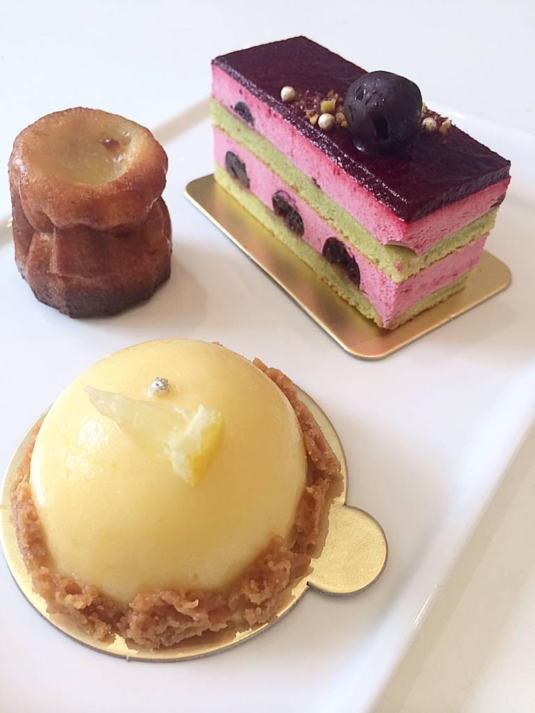 Cherry Mousse, Canele and Lemon Tart ที่ ร้านอาหาร Elysian Tea