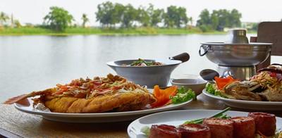 """ใกล้ชิดธรรมชาติ เข้าถึงรสชาติอาหารไทย @ """"บ้านริมน้ำ"""""""