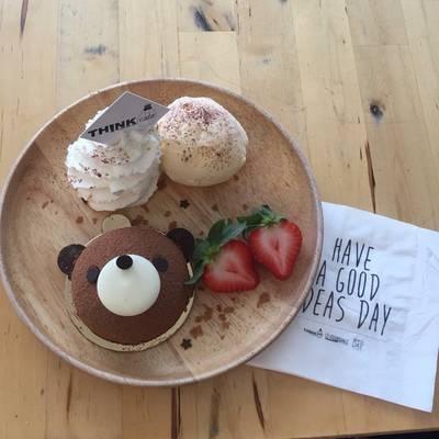 ร้านอาหาร Think Cafe @ THE BLOC